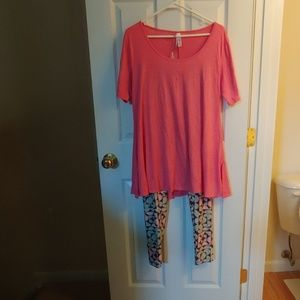 2 Pc. Lularoe outfit - like new